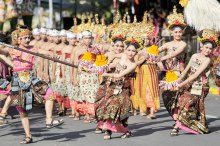 Pesta Kesenian Bali (PKB) ke 38 tahun 2016 yang bertemakan Karang Awak